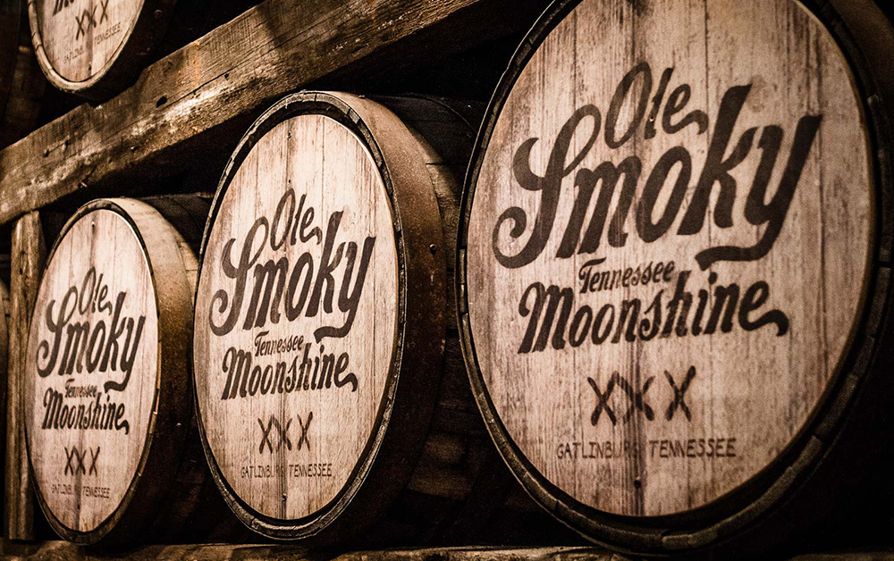 http://thewineandspiritscellar.com/wp-content/uploads/2019/01/local-tennessee-moonshine.jpg