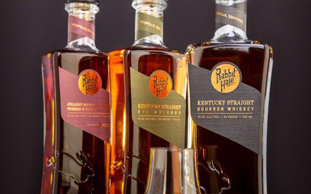 https://thewineandspiritscellar.com/wp-content/uploads/2020/11/Kentucky-Straight-Bourbon-Whiskey-640x400.jpg