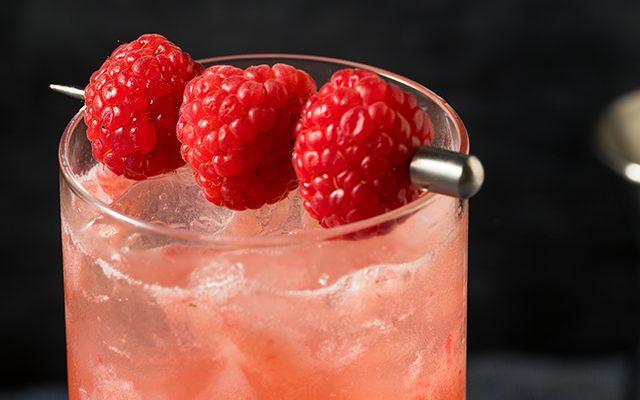 https://thewineandspiritscellar.com/wp-content/uploads/2021/04/Spring-Cocktails-Recipes-640x400.jpg