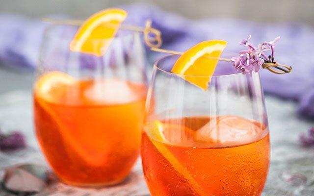 https://thewineandspiritscellar.com/wp-content/uploads/2021/06/Popular-Summertime-Cocktails-640x400.jpg